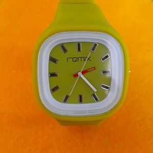 REMIX LIME GREEN WATCH (FUN COLOR)